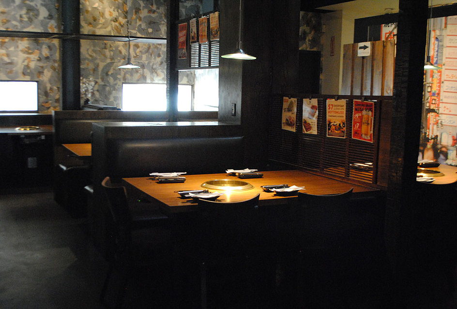 pasadena interior with open tables